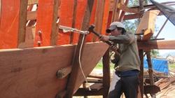 """Những tay thợ """"vàng"""" ở làng nghề đóng tàu"""