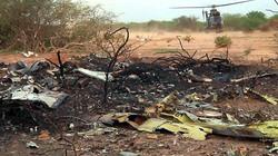 Hiện trường máy bay Algeria rơi: Chỉ còn lại một đống tro tàn