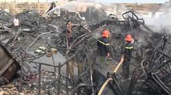 Long An: Cháy rụi kho chứa vải, thiệt hại hàng trăm tỷ đồng