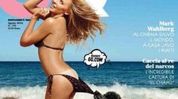 Nữ ca sĩ để chó kéo tụt bikini, lộ vòng ba nõn nà