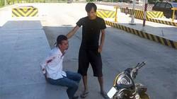 Quảng Ninh: Nam thanh niên bị trói tay, người đầy máu ở trạm thu phí