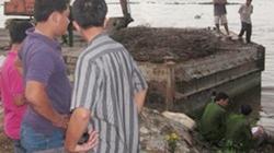 Sự thật xác chết trôi sông bị trói chặt 2 chân