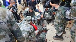 """Thảm họa động đất ở Vân Nam (Trung Quốc): """"Chúng tôi đã  nhắm mắt chờ chết..."""""""