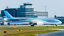 Đang bay, động cơ Boeing 787 ngừng hoạt động