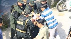 Clip: Cảnh sát nổ súng, giải cứu thành công nữ con tin ở Sài Gòn
