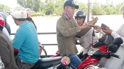 """Đầm Dơi (Cà Mau): Dân bức xúc chuyện  """"qua sông lụy phà"""""""