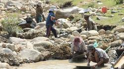 Quảng Ngãi: Rộ tin đào được 1,4kg vàng, núi rừng Tây Trà náo loạn
