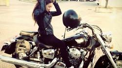 Cô gái Huế sexy và thú chơi xe Ducati đắt đỏ