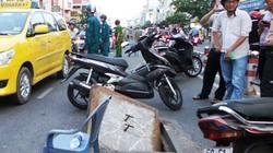 Hố ga giữa phố Sài Gòn nổ lớn, bụi bay mù mịt