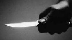 Bị truy đường cùng, tên trộm vung dao đâm 3 công an