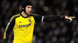 """Bị Chelsea hắt hủi, Petr Cech vẫn """"đắt khách"""""""