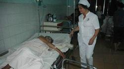 Lao vào cứu con gái tự thiêu, mẹ 80 tuổi nguy kịch