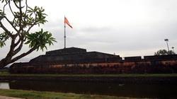 Thời khắc trọng đại vua thoái vị: Hạ cờ vàng, treo cờ đỏ tại kinh thành Huế 1945