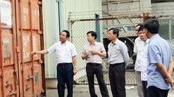 Trong vòng 1 tháng sẽ di dời 7.000 lít dầu siêu độc bên bờ vịnh Hạ Long