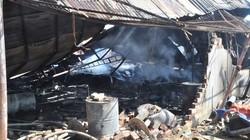 TP.HCM: Xưởng gỗ cháy nổ kinh hoàng trong đêm, người dân hoảng loạn