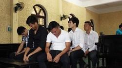 Xét xử vụ 9 cầu thủ V.Ninh Bình bán độ: Các bị cáo đều không mời luật sư