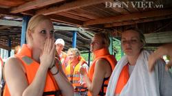 Gặp 12 du khách nước ngoài trên tàu chìm trên vịnh Hạ Long