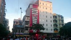 Quán Karaoke bốc khói nghi ngút giữa thành phố Hạ Long