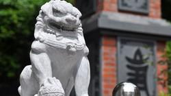 Giáo hội Phật giáo yêu cầu di dời sư tử đá ngoại lai ra khỏi cơ sở thờ tự