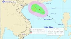 Áp thấp nhiệt đới cách đảo Hoàng Sa 240km
