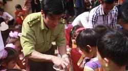 Trao hàng nghìn suất quà trung thu cho trẻ em 5 huyện thuộc Hà Nội, Hòa Bình