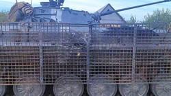 NÓNG: Ukraine dùng lồng sắt bảo vệ xe bọc thép khỏi súng phóng lựu