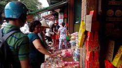 Hậu Trung thu: Bánh nướng bánh dẻo đại hạ giá 8.000 đồng đổ đống vỉa hè