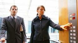 Hơn 50% nhân viên văn phòng nhiễm bệnh vì ấn nút thang máy