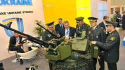 """Ukraine """"khoe"""" bộ hỏa lực cực mạnh mới cho xe bọc thép"""