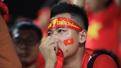 Chịu gánh nặng kỳ vọng quá lớn: Cầu thủ U19 đổ gục, CĐV rơi nước mắt