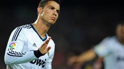 """Cựu chủ tịch Real Madrid: Ronaldo đã chán ngấy """"Kền kền trắng"""""""