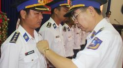 """Trao tặng Huy hiệu """"Tuổi trẻ dũng cảm"""" cho 163 cảnh sát biển"""