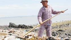Ông lão 70 tuổi 30 năm quét rác không công
