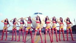 """Ngọc Trinh và dàn chân dài """"đại náo"""" sân bay với...bikini sexy"""