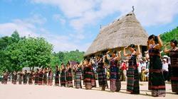 Độc đáo vũ điệu tân' tung - da' dă của người Cơ Tu
