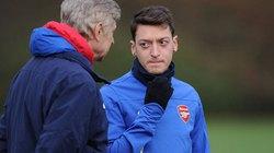 Vừa tỏa sáng, Ozil đã ra yêu sách với HLV Wenger