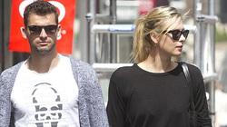 Djokovic làm thuyết khách cho chuyện tình của Sharapova