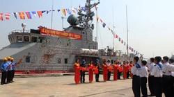 Bàn giao tàu pháo số 4 cho hải quân Việt Nam