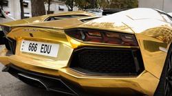 """Phiên bản Lamborghini """"dát vàng"""" cực độc trên đường phố Paris"""
