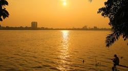 Hồ Tây hoàng hôn mùa Thu