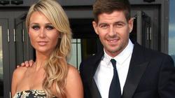 Steven Gerrard phải hầu tòa vì tòm tem vợ hàng xóm
