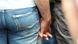 Indonesia: Sẽ dùng roi để trừng trị quan hệ đồng tính