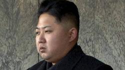 Ông Kim Jong-un phải nhập viện phẫu thuật rạn mắt cá chân