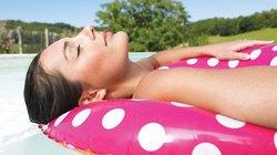 Tại sao người bệnh ung thư nên tắm nắng mỗi ngày?