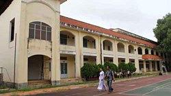 Người dân Cần Thơ tiếc nuối ngôi trường gần 100 tuổi sắp bị đập bỏ