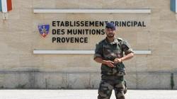 """Pháp tá hỏa vì thuốc nổ """"bốc hơi"""" trong kho vũ khí"""