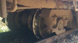 Tàu trật bánh ở Quảng Ngãi: Do ảnh hưởng của mìn?