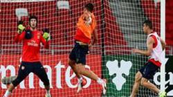 Clip: Petr Cech trổ tài cản phá tuyệt đỉnh trong màu áo Arsenal