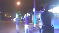 """Mỹ: Cảnh sát cố """"ém"""" video bắn chết người vô cớ"""