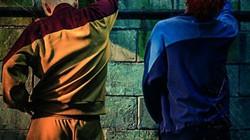 """Bìa đĩa """"đáng xấu hổ"""" của G-Dragon & TOP lộ diện"""